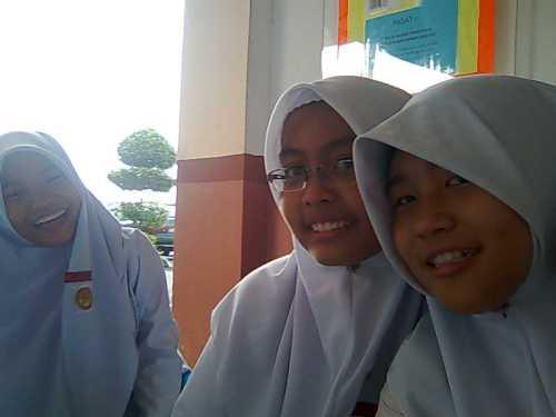 From left (Fatma,Nabla & Me)